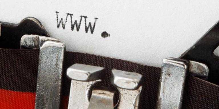 מכונת כתיבה - תמונת נושא מתוך סוגי אתרים